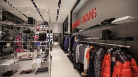 Ścieżka zakupowa, czyli psychologia sprzedaży w branży retail Psychologia, LIFESTYLE - W branży handlowej i w przestrzeniach sprzedażowych każdy centymetr kwadratowy powierzchni jest starannie zaaranżowany, a funkcje jakie musi spełniać miejsce, z góry zaplanowane.